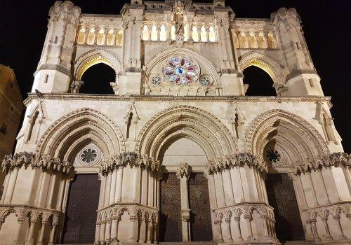 Visita nocturna en la Catedral de Cuenca